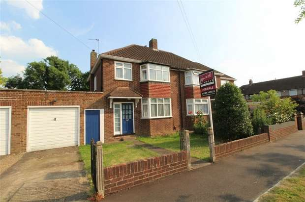 3 Bedrooms Semi Detached House for sale in Harvest Road, Lower Feltham, Middlesex
