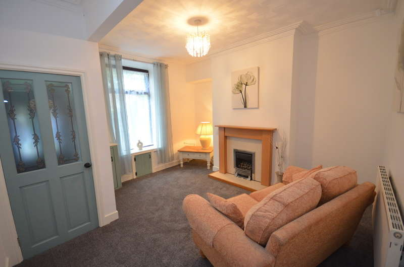 2 Bedrooms Terraced House for sale in Alfred Street, Whitehall, Darwen