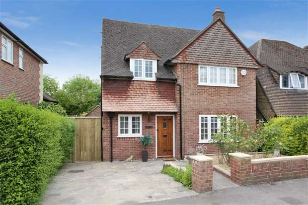 3 Bedrooms House for sale in Meadow Walk, Harpenden