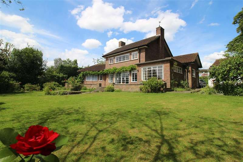 4 Bedrooms Detached House for sale in Thurstaston Road, Heswall, Wirral, CH60 4SA