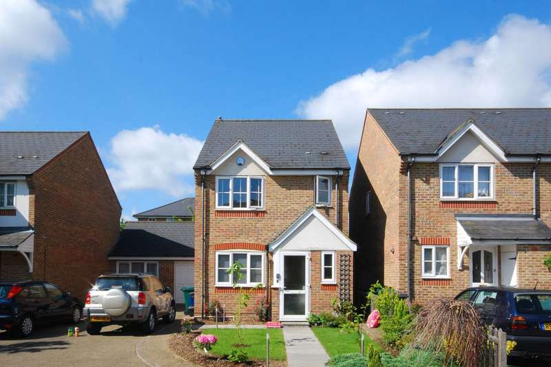 3 Bedrooms House for rent in Earl Close, Friern Barnet, N11