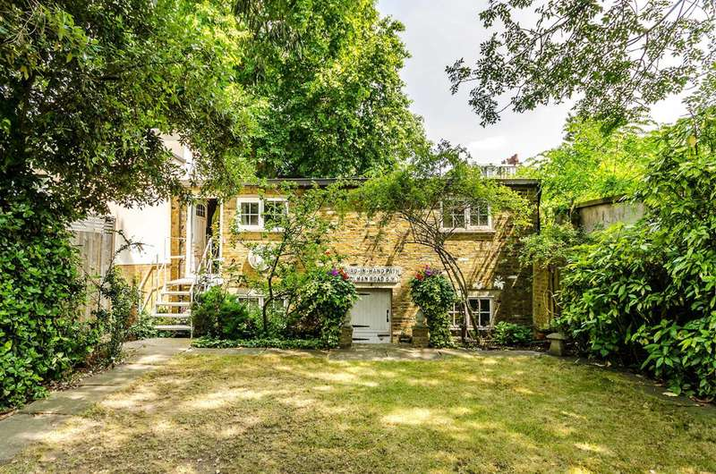 Mews House for sale in Stories Road, Camberwell, SE5