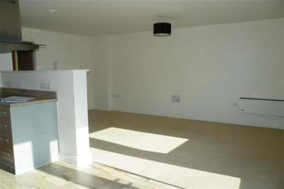 2 Bedrooms Flat for rent in Heathcoat House, Nottingham City Centre, NG1 7HD