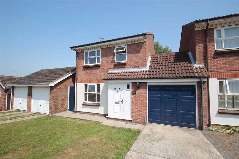 3 Bedrooms Detached House for sale in Dorking Crescent, Clacton-On-Sea