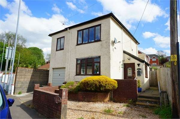 3 Bedrooms Detached House for sale in Pontymason Lane, Rogerstone, Newport, NP10