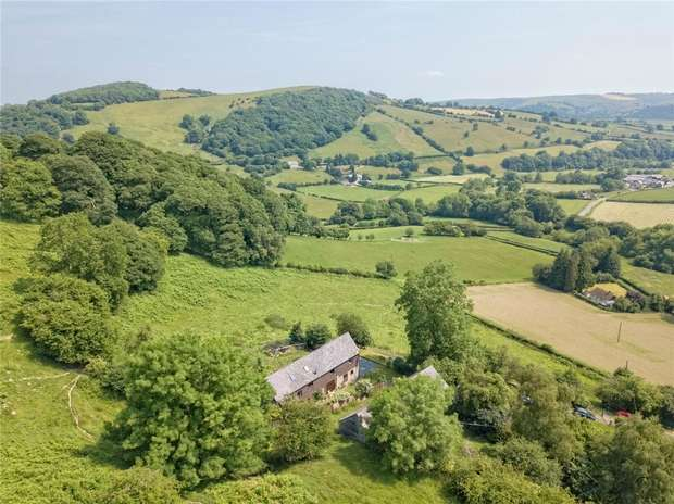 5 Bedrooms Barn Conversion Character Property for sale in Tyn-Y-Cefn Barn, Lloyney, Knighton, Powys