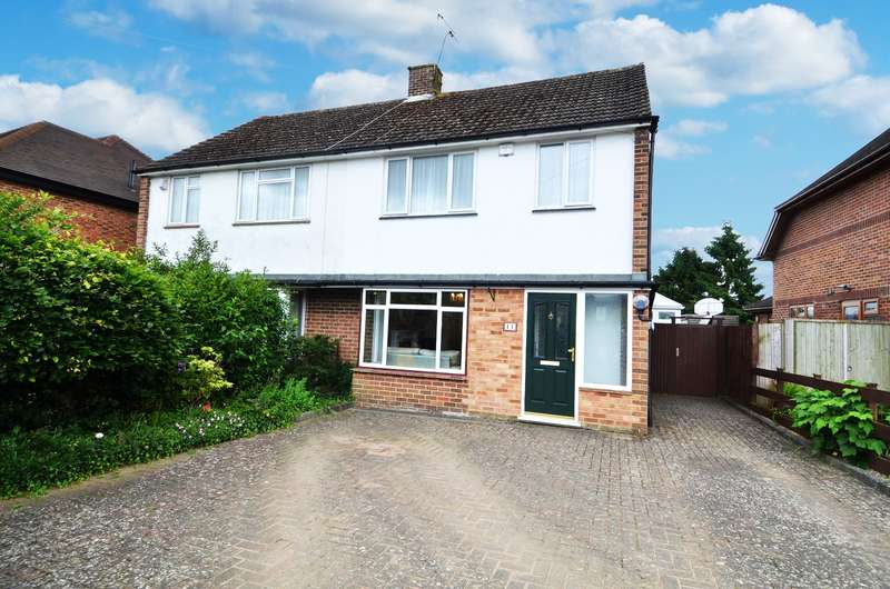 3 Bedrooms Semi Detached House for sale in Bernards Way, Flackwell Heath, HP10