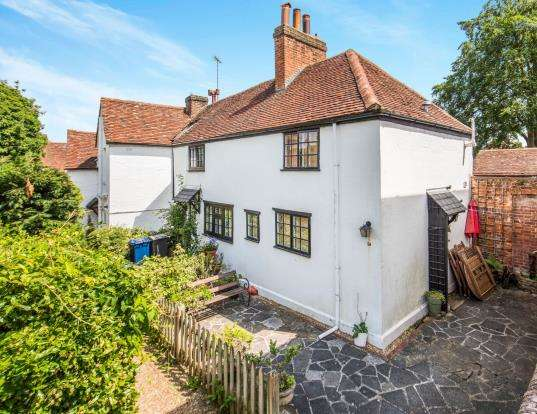 1 Bedroom End Of Terrace House for sale in Godalming, Surrey