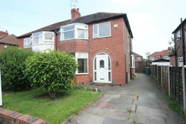 3 Bedrooms Semi Detached House for sale in Penmere Grove, Sale