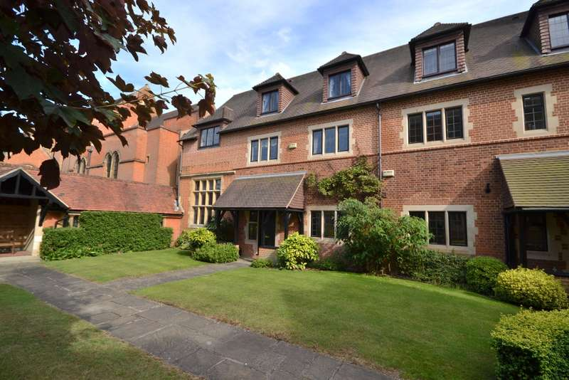 5 Bedrooms Town House for sale in Woking