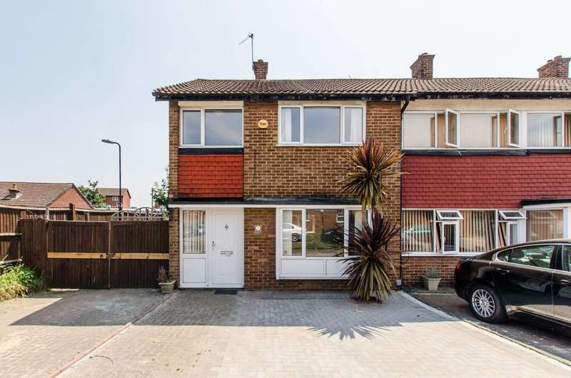 3 Bedrooms Semi Detached House for sale in Priestley Road, Mitcham, CR4