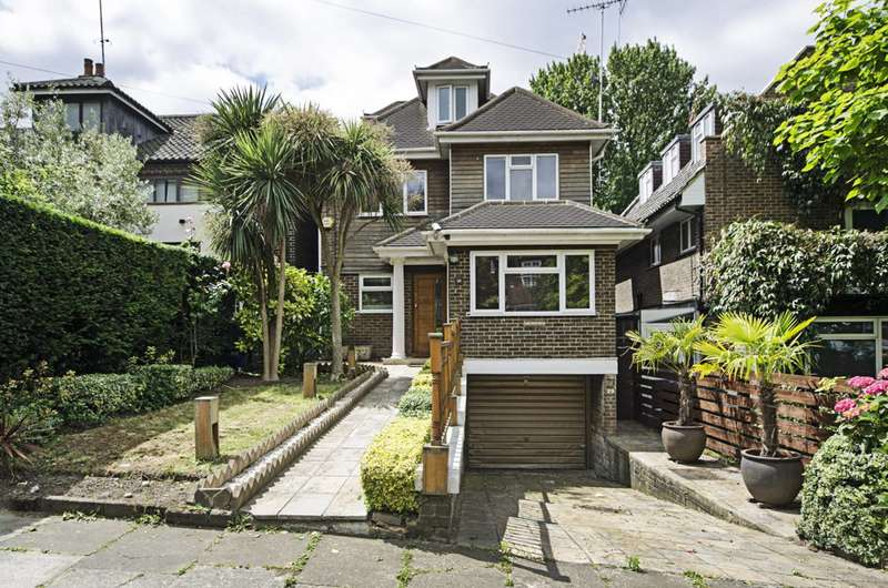5 Bedrooms Detached House for sale in West Heath Gardens, Hampstead, NW3