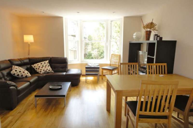 3 Bedrooms Flat for rent in Egremont Place, Brighton, BN2