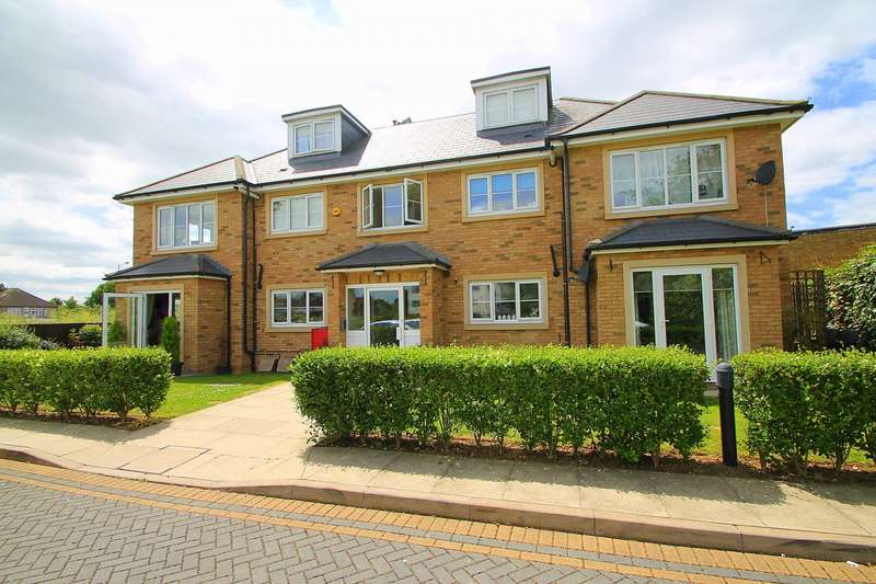 2 Bedrooms Flat for sale in Falcon House, Town Lane, Stanwell, TW19