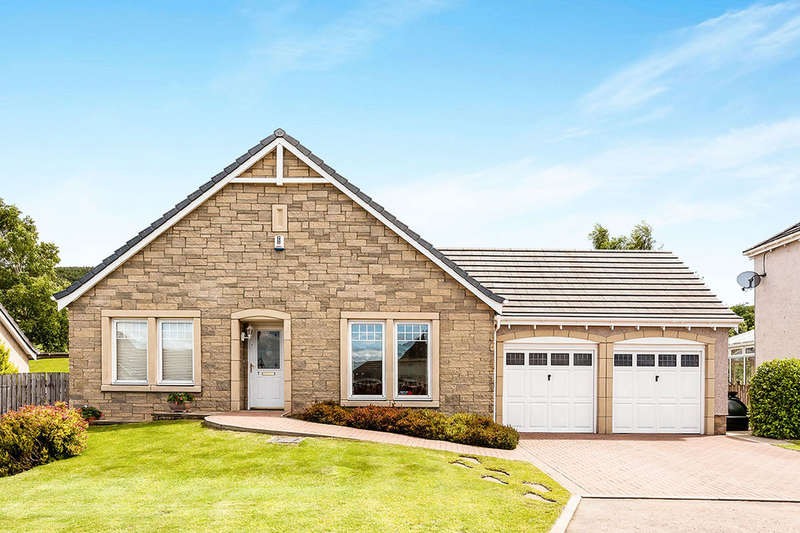 3 Bedrooms Detached Bungalow for sale in Nethy Place, Abernethy, Perth, PH2