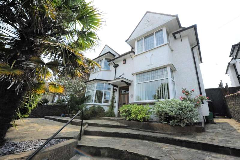 4 Bedrooms Detached House for sale in Kings Avenue, Eastbourne, BN21 2PF