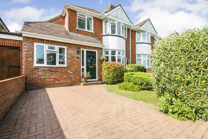4 Bedrooms Semi Detached House for sale in Risborough Road, Bedford