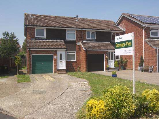 3 Bedrooms Semi Detached House for sale in Denvilles, Havant, Hampshire