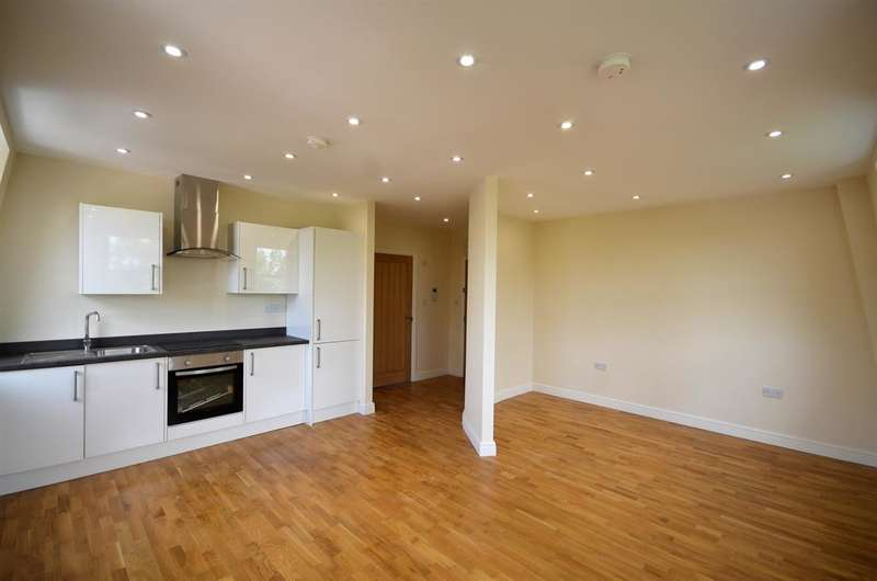 1 Bedroom Apartment Flat for sale in Cavendish Avenue, Harrow, Sudbury Hill, Middlesex, HA1 3RW