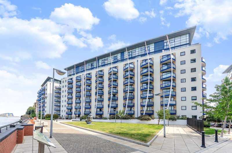 2 Bedrooms Flat for sale in Newton Place, Canary Wharf, E14