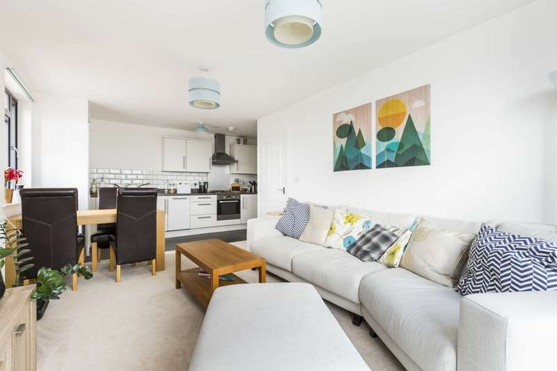 2 Bedrooms Flat for sale in Blanchard Avenue, Gosport, Hampshire, PO13