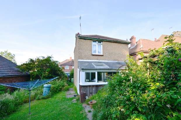 2 Bedrooms Detached House for sale in Adelaide Road, St. Leonards-on-Sea, TN38