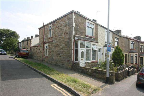 3 Bedrooms End Of Terrace House for sale in Halifax Road, Brierfield