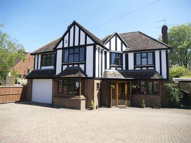 4 Bedrooms Detached House for sale in Fir Tree Road, Epsom Downs
