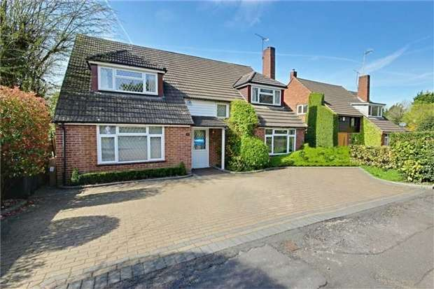 4 Bedrooms Detached House for sale in Kitswell Way, Radlett, Hertfordshire
