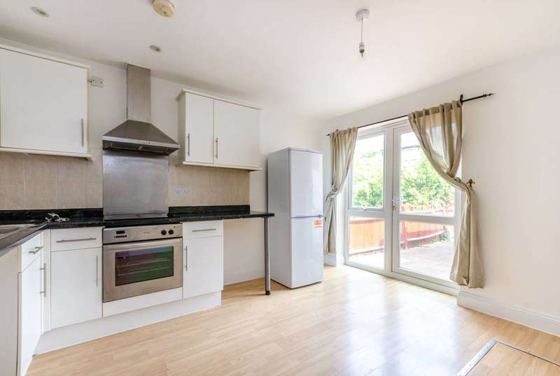 2 Bedrooms Maisonette Flat for sale in Mayow Road, Forest Hill, SE23