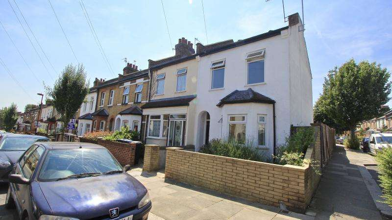 3 Bedrooms End Of Terrace House for sale in Woodlands Road, Enfield