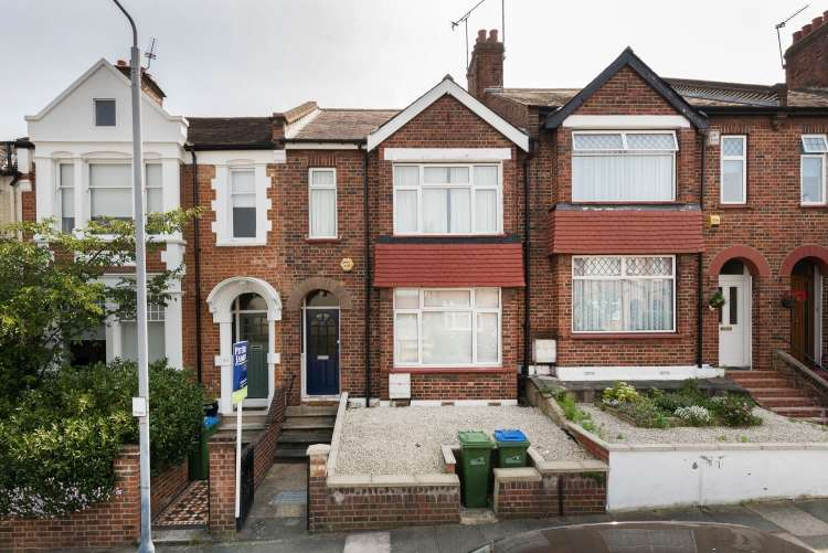 3 Bedrooms House for sale in Mayhill Road Charlton SE7