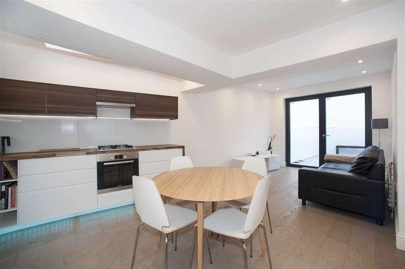3 Bedrooms Flat for sale in Ellingham Road, Shepherd's Bush