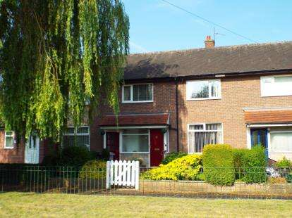 Terraced House for sale in Knowle Park, Handforth, Wilmslow, Cheshire