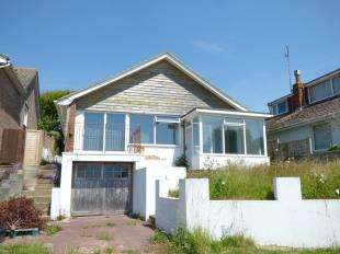 2 Bedrooms Bungalow for sale in Bishopstone Drive, Saltdean, Brighton, East Sussex