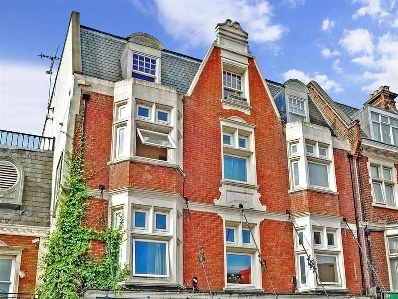 2 Bedrooms Apartment Flat for sale in Station Road, Redhill, Surrey