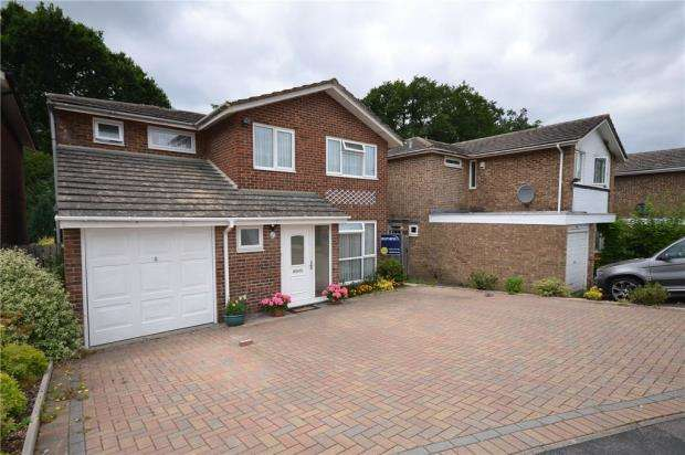 5 Bedrooms Detached House for sale in Avebury, Bracknell, Berkshire