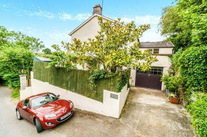 3 Bedrooms Semi Detached House for sale in Burraton Coombe, Saltash, Cornwall