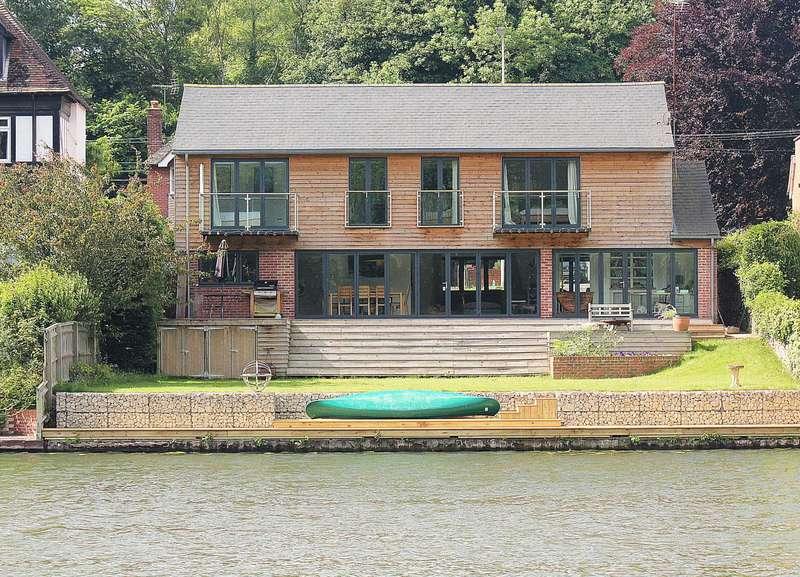 5 Bedrooms Detached House for sale in Pangbourne village / Riverside
