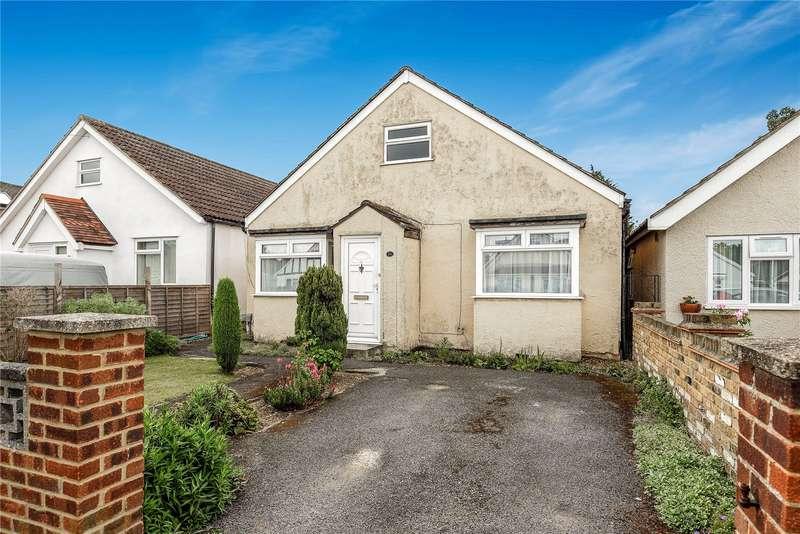 3 Bedrooms Bungalow for sale in Pield Heath Avenue, Uxbridge, Middlesex, UB8