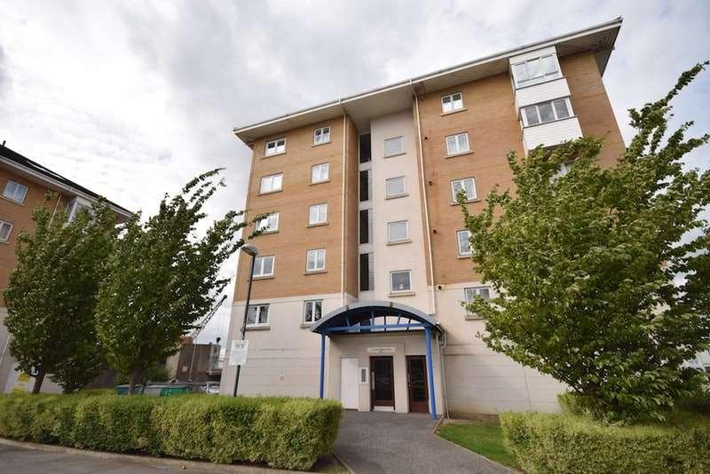 2 Bedrooms Flat for sale in Macarthur Close, Erith, Kent, DA8