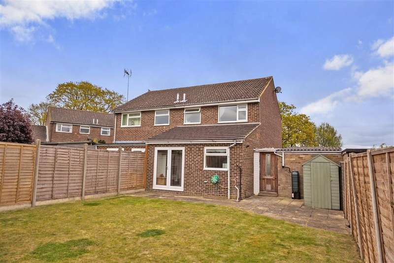 3 Bedrooms Semi Detached House for sale in Woodlands Way, Southwater, Horsham, West Sussex
