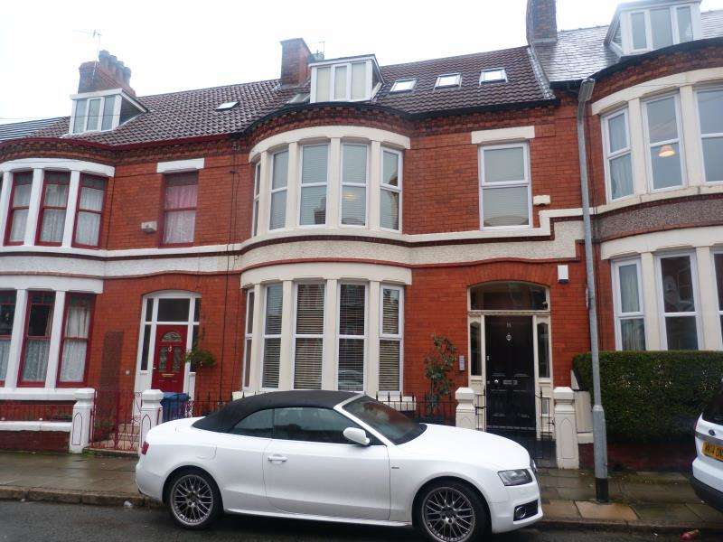 2 Bedrooms Flat for sale in Hallville Road, Liverpool, L18 0HP