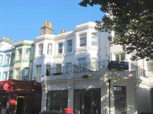 2 Bedrooms Flat for sale in Carlisle Road, Eastbourne, East Sussex