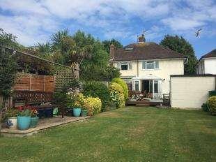 3 Bedrooms Semi Detached House for sale in Orchard Way, Bognor Regis, West Sussex