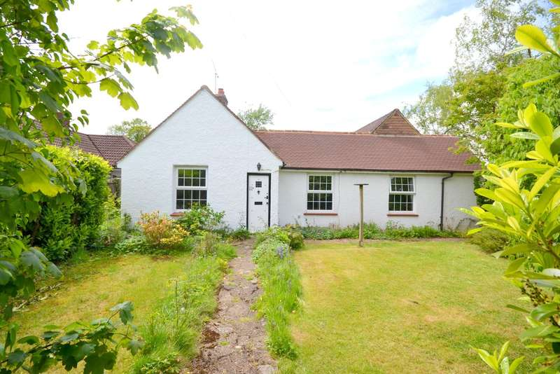 3 Bedrooms Detached House for sale in Farnham