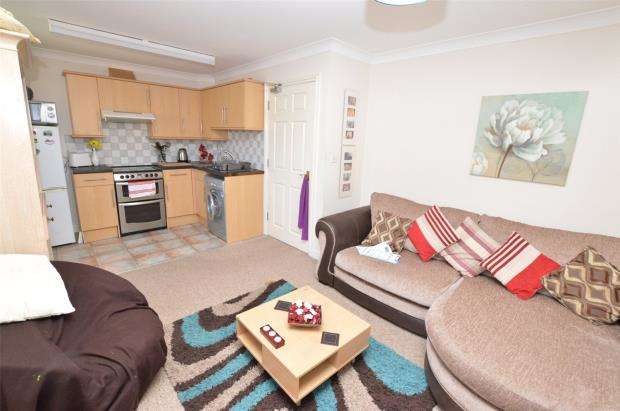 1 Bedroom Flat for sale in Pound Place, Newton Abbot, Devon