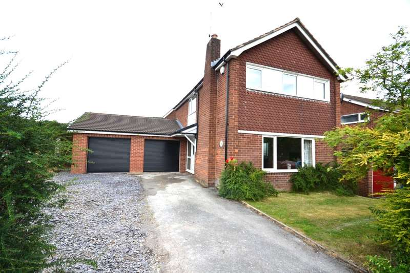4 Bedrooms Detached House for sale in Ullswater, Macclesfield