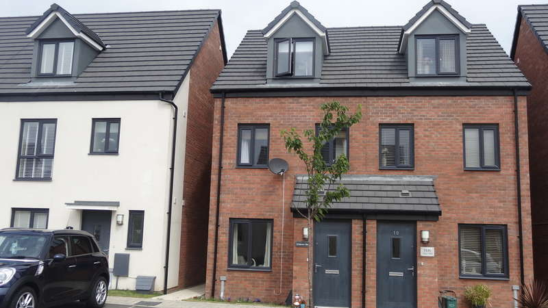 3 Bedrooms Semi Detached House for sale in Haven Walk, Barry