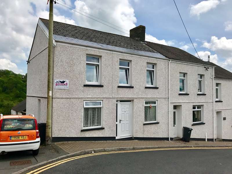 3 Bedrooms End Of Terrace House for sale in High Street, Bedlinog, TREHARRIS, CF46